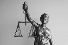 Od začátku července 2021 (od 1. 7. 2021), by měla začít platit novela zákona (zákon číslo 38/2021 Sb.), která umožní nový chráněný účet pro lidi s exekucí. Chráněný účet nebude podléhat exekuci. Současně se zvýší nezabavitelné minimum, na trojnásobek životního minima (nově to bude 11 580 Kč).